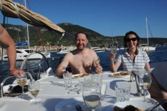 Inspira Sailing, snídaně na jachtě